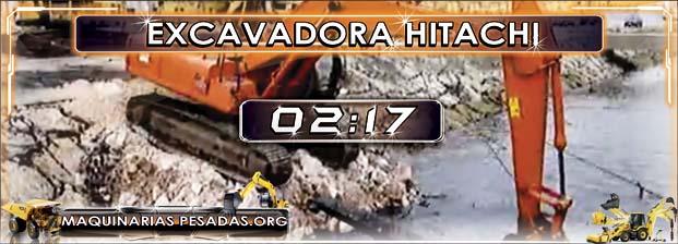 Excavadora Hitachi Sacando un Hélice del Agua