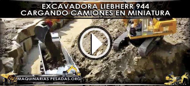 Excavadora Liebherr 944 cargando Camiones en Miniatura
