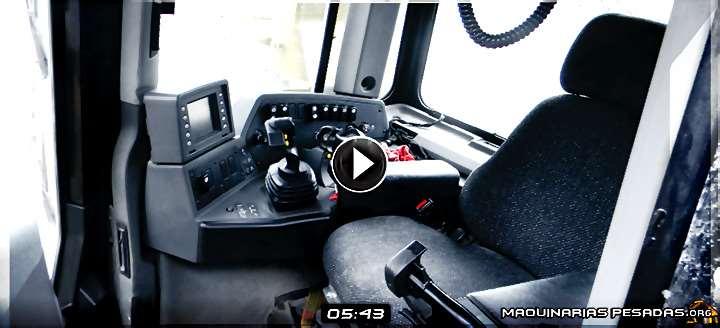 Vídeo de Cabina de Bulldozer Minero – Tablero de Instrumentos y Controles